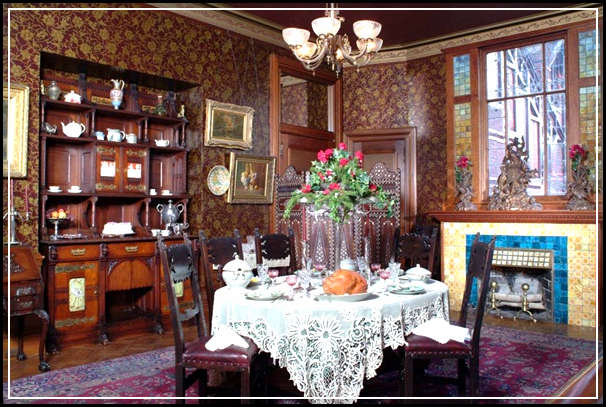 Fabulous interior decor ideas for old house with victorian for Victorian house decor