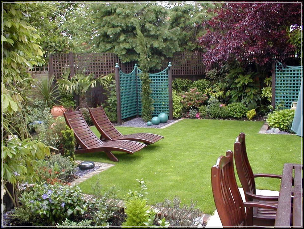 Applying beautiful garden design ideas home design ideas for Small simple garden design ideas