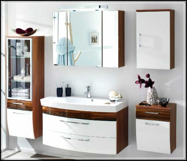 Vintage Bathroom Concept With Classic But Chic Complete Bathroom Sets