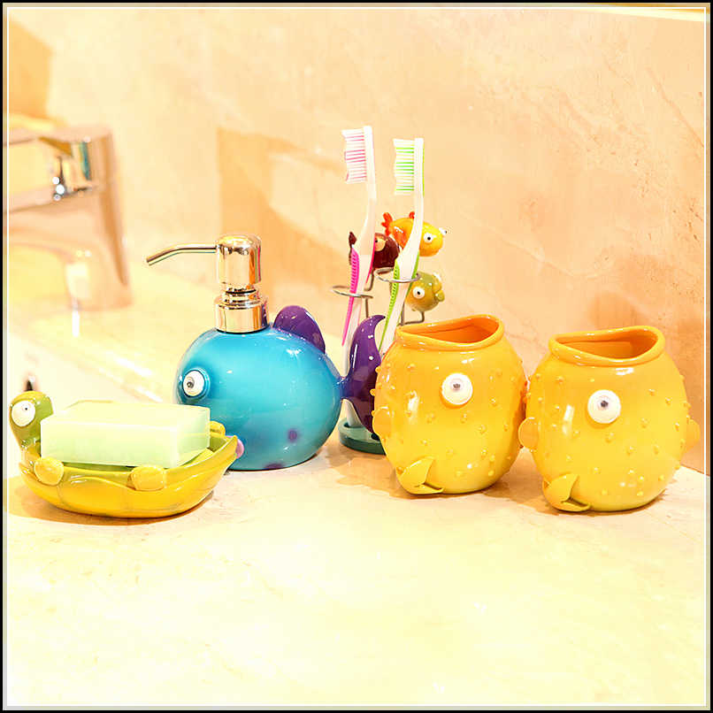 Cute and cool kids bathroom accessories for girls 39 and for Cute bathroom stuff
