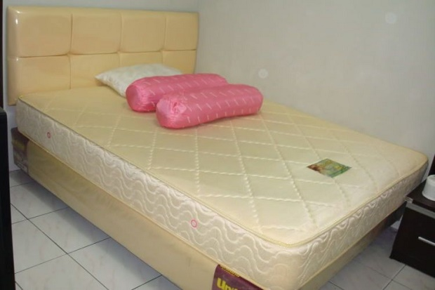 Queen size 160 cm x 200 cm bed dimensions
