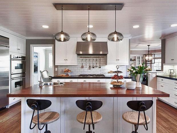 Pendant lighting kitchen island