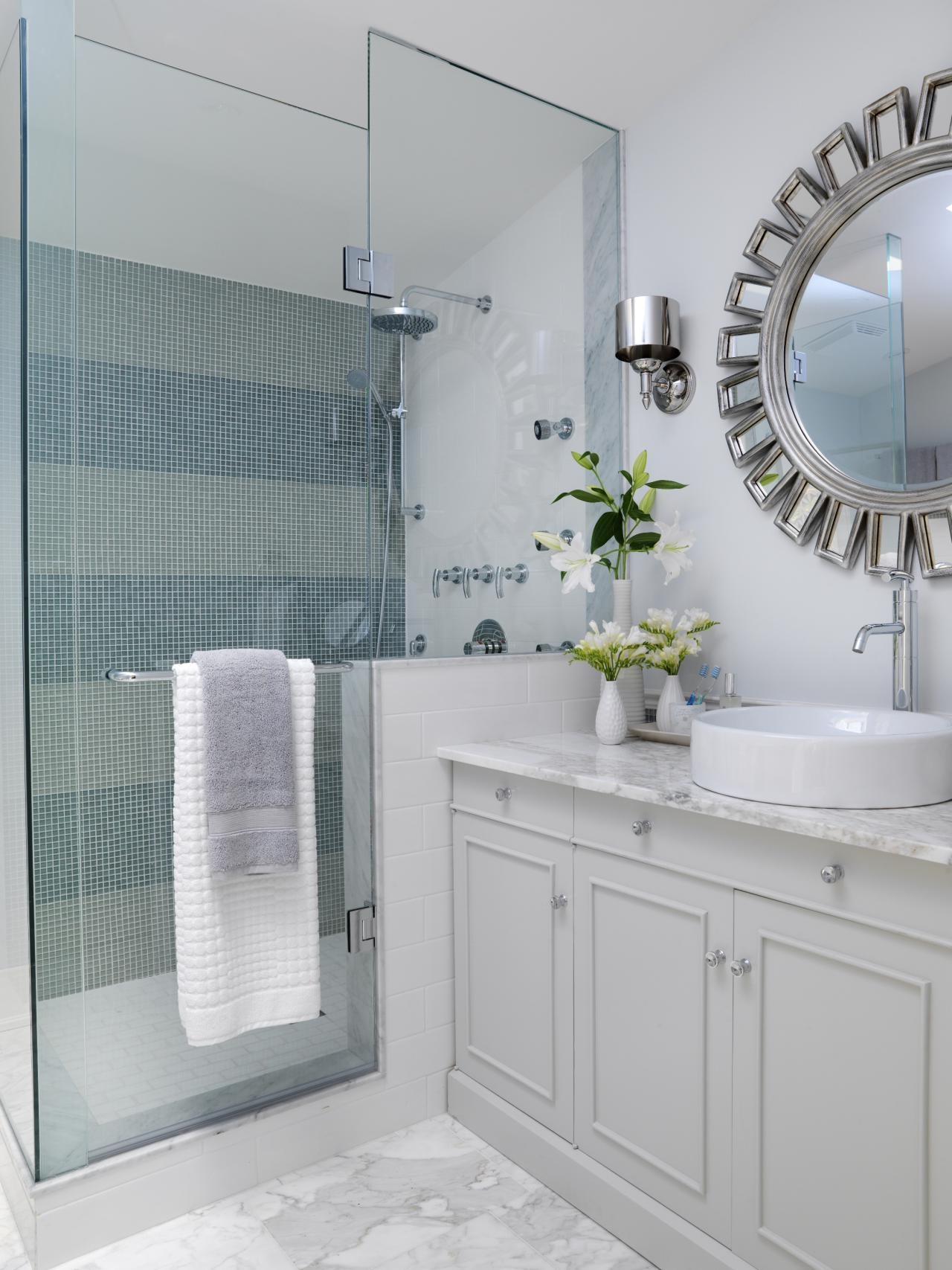 applying bathrooms designs small spaces