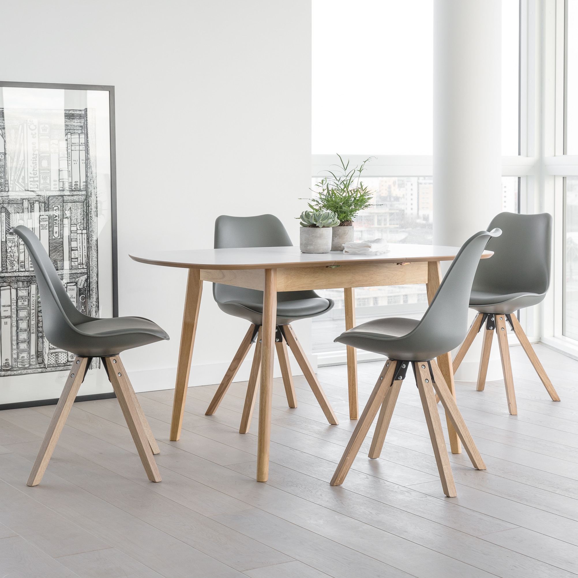 OutAndOutOriginal Dean Extendable Dining Table and 4 Chairs ETAN1011