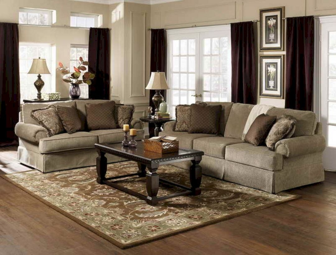 traditional living room furnitures